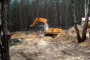 Prace rekultywacyjne na terenie mogilnika w Przyby