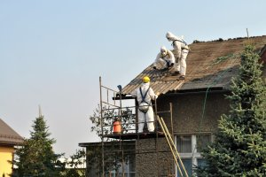 Ponad 2 tys. ton azbestu usunięto z terenu Powiat