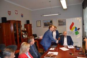Powiat dotuje SPZOZ i Komendę Powiatową Policji