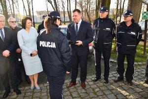 Przekazanie pojazdu dla Komendy Powiatowej Policji