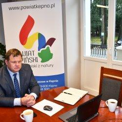 Starosta Kępiński podczas wideokonferencji z Wojewodą Wielkopolskim Łukaszem Mikołajczykiem