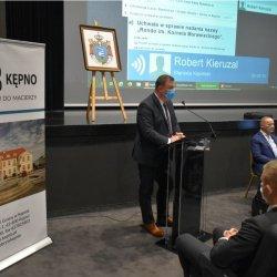 Starosta Kępiński Robert Kieruzal podczas XXIV Sesji Rady Miejskiej w Kępnie