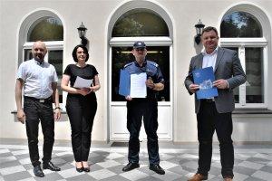 Umowa na zakup samochodu osobowego dla Policji pod
