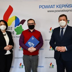 Starosta Kępiński Robert Kieruzal, Wicestarosta Kępiński Alicja Śniegocka oraz Maciej Michałowski