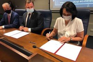 Umowa na dofinansowanie przebudowy drogi podpisana