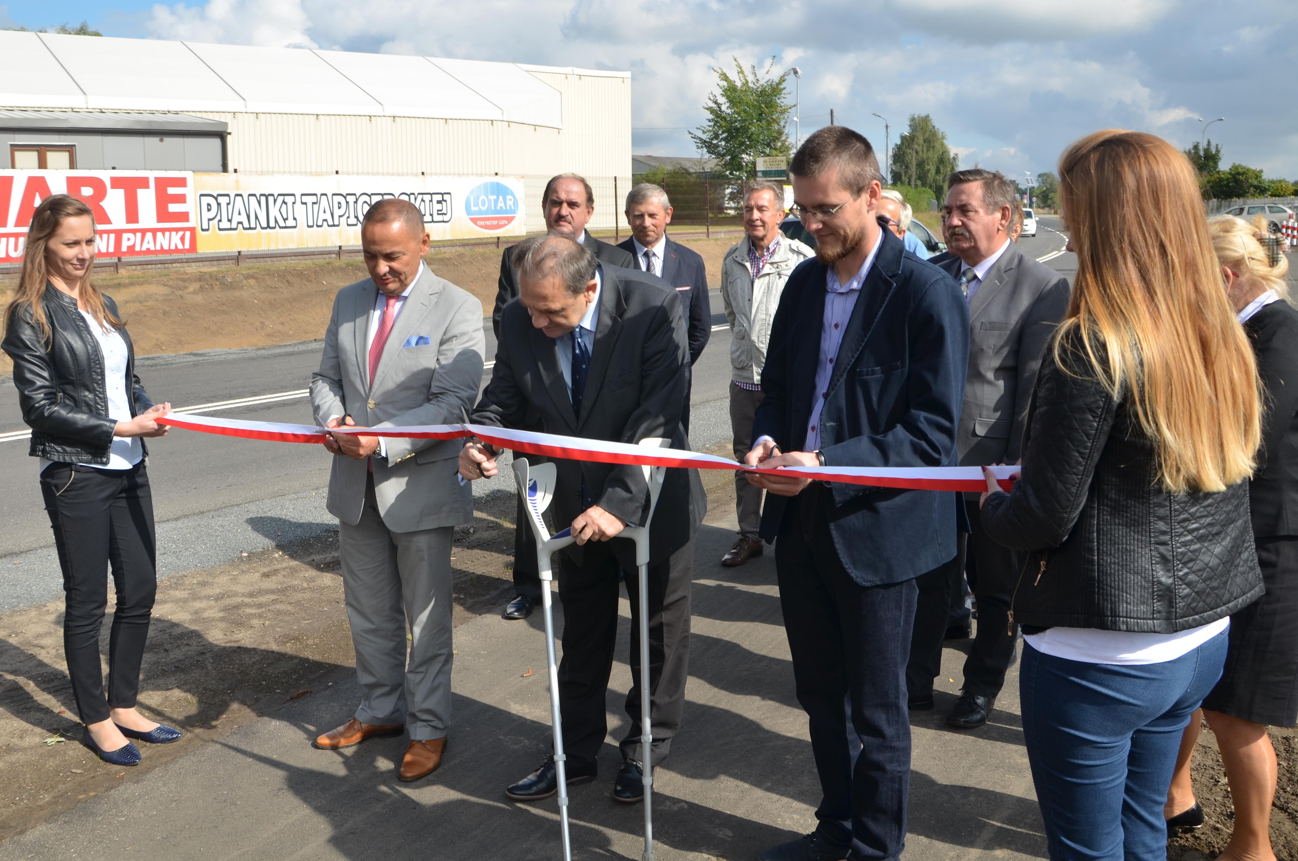 Otwarcie przebudowanej drogi powiatowej nr 5712P -