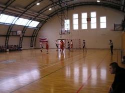 Zdjęcie sali gimnastycznej podczas meczu