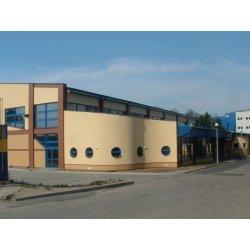 Zdjęcie budynku z salą gimnastyczną