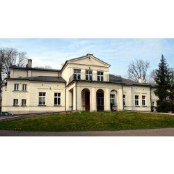 Zdjęcie pałacu w Grębaninie od frontu